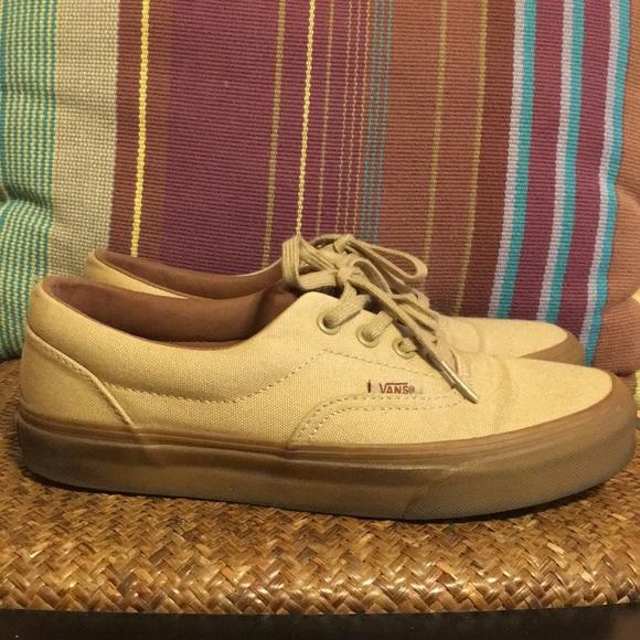 06a1a65eeae Vans Era Khaki Gum Sole Shoes. M 5bf1865b409c15e3ee65b35f